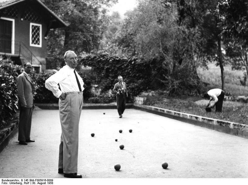Cadenabbia, Konrad Adenauer beim Bocciaspiel